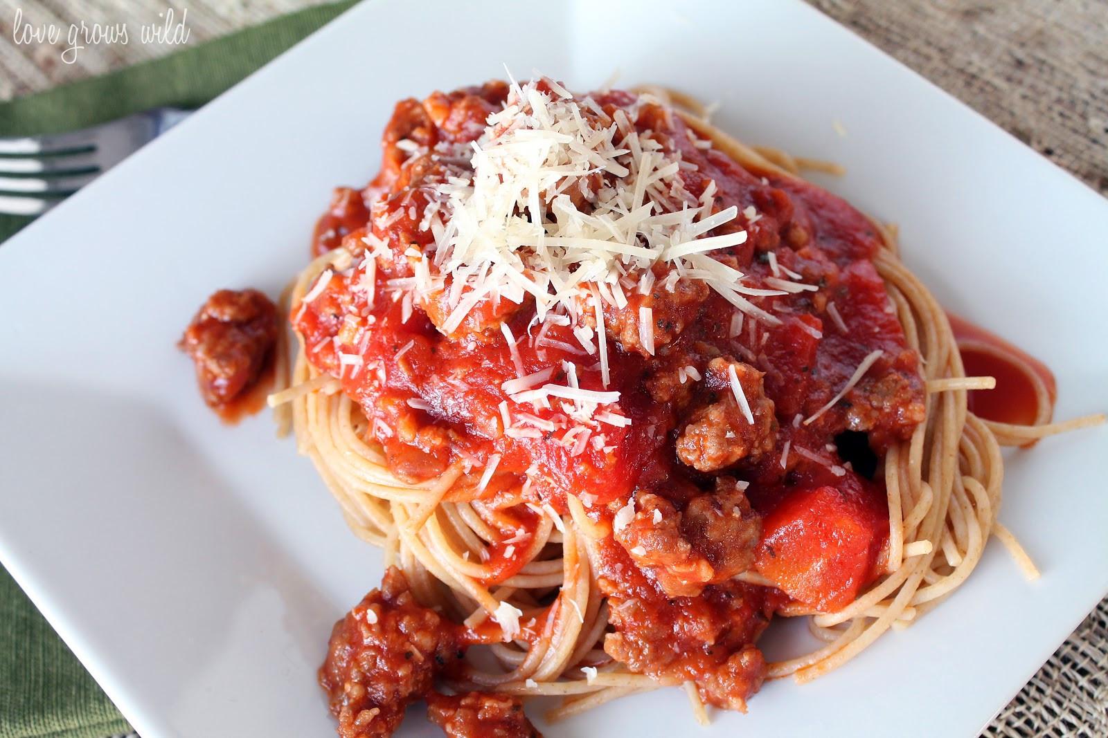Spaghetti With Italian Sausage  Spaghetti Sauce with Italian Sausage Love Grows Wild