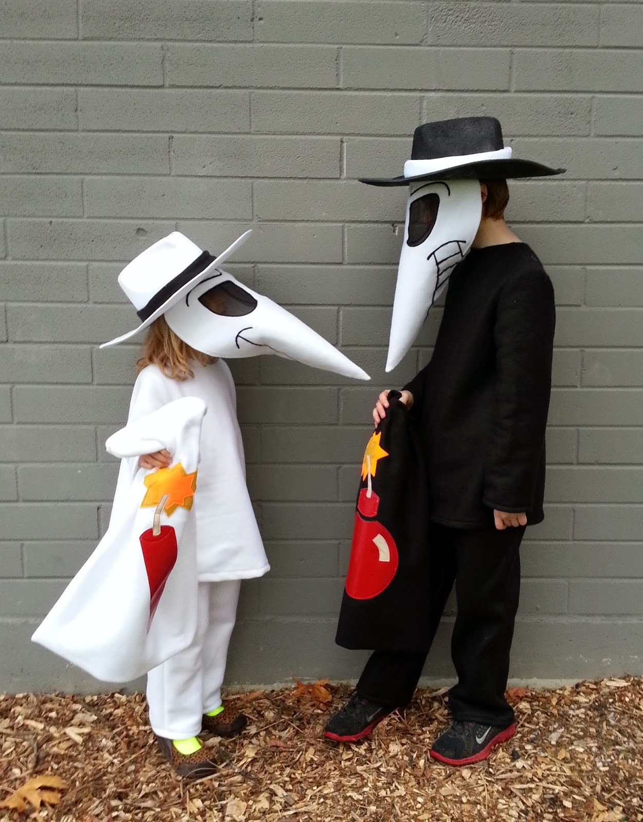 Spy Costume DIY  a patchwork world kokoleo style Spy vs Spy