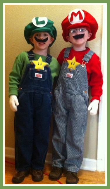 Super Mario Costume DIY  DIY Luigi and Mario Costumes e Crazy Mom