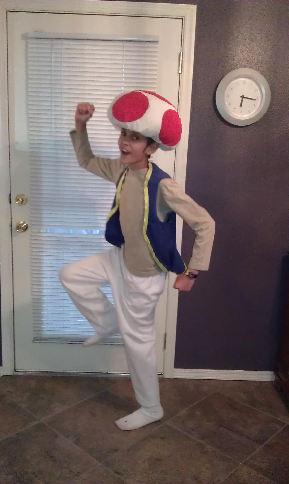 Super Mario Costume DIY  Toad from Super Mario Bros Super Easy No Sew Homemade