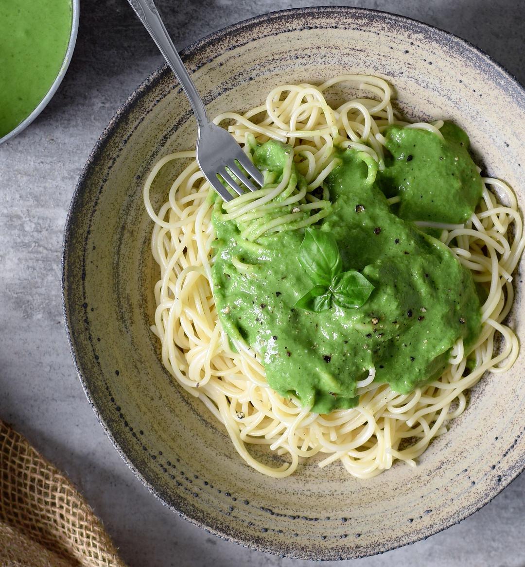 Vegetarian Sauces Recipes  Vegan spinach pasta sauce