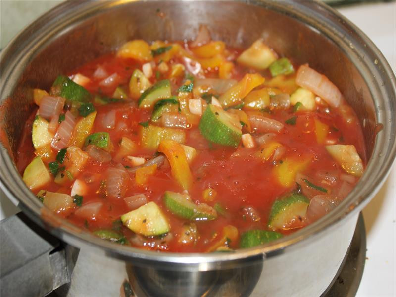 Vegetarian Sauces Recipes  Ve arian Spaghetti Sauce with Whole Wheat Noodles Busy