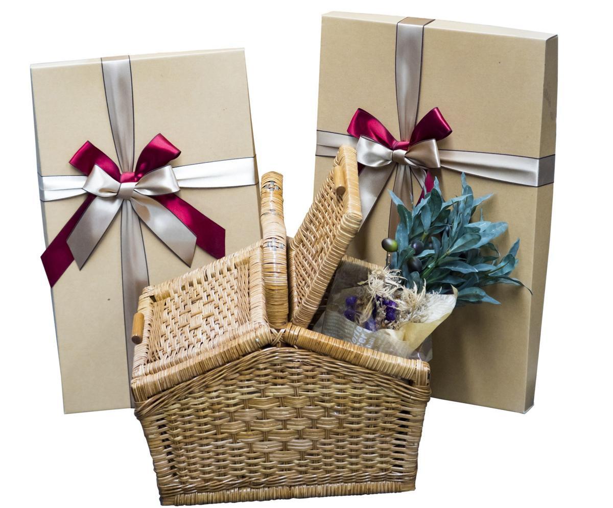 Wedding Gift Ideas For The Couple  15 Amazingly Thoughtful Wedding Gift Ideas for Older