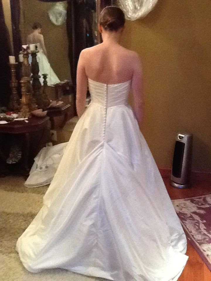 Wedding Gown Bustle  181 best Wedding Gown Bustle Styles images on Pinterest