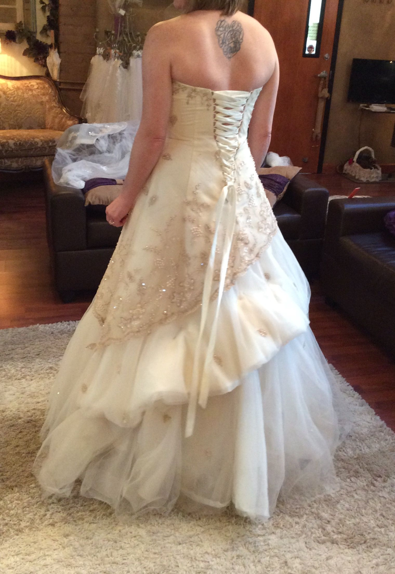 Wedding Gown Bustle  French bustle Wedding Gown Bustle Styles