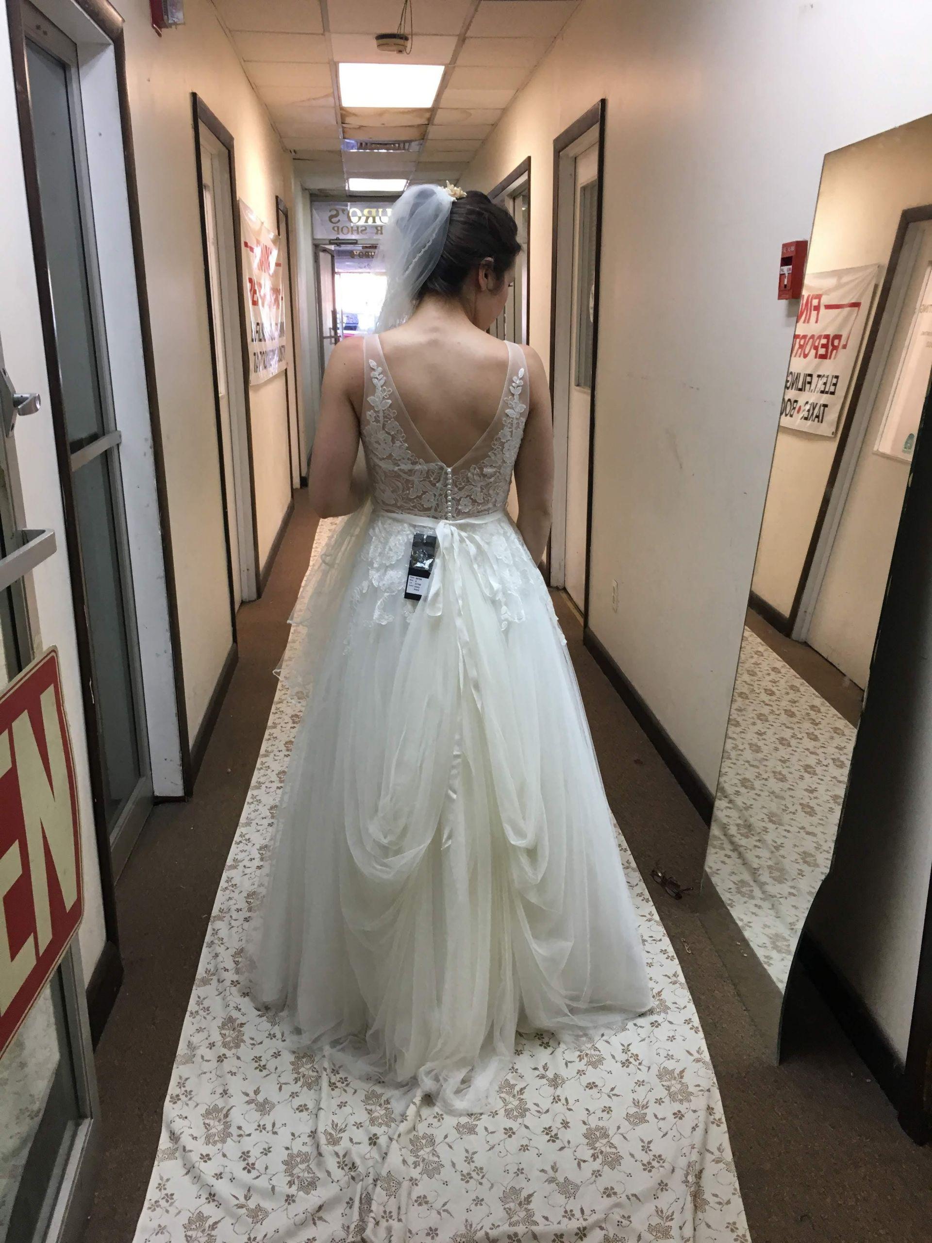 Wedding Gown Bustle  Best Bustling A Wedding Dress Wedding Gallery