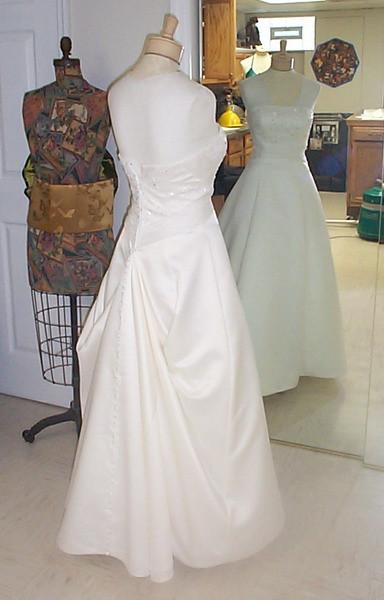 Wedding Gown Bustle  Wedding Dress Bustle – Hudson Valley Ceremonies